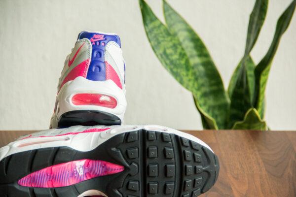 Nike Air Max 95 Hyper Pink achterkant en onderkant